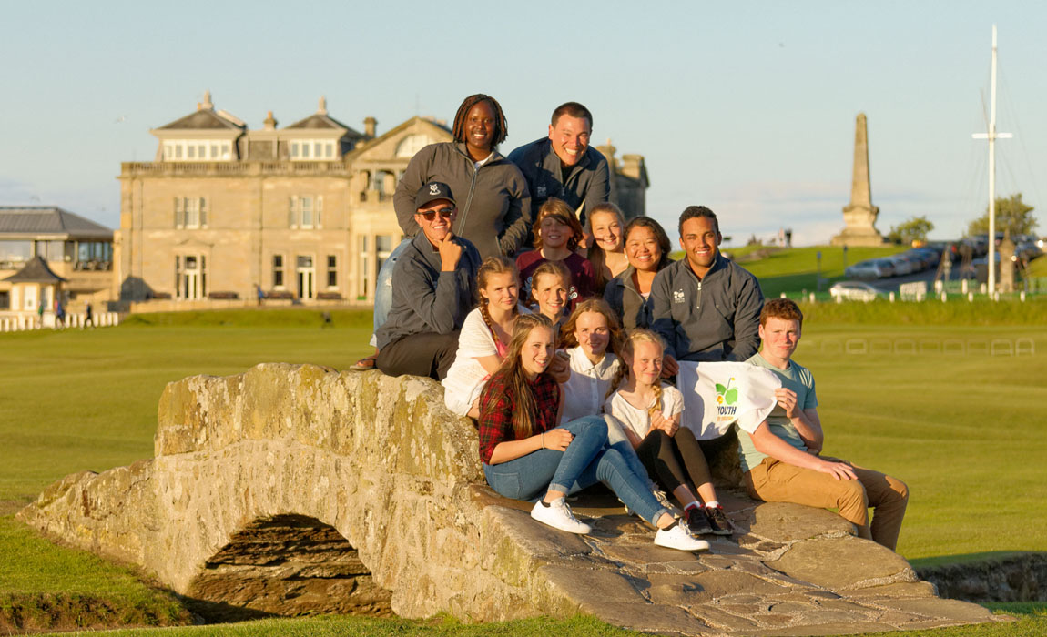 New Links participants 2016 gather on the Swilcan Bridge